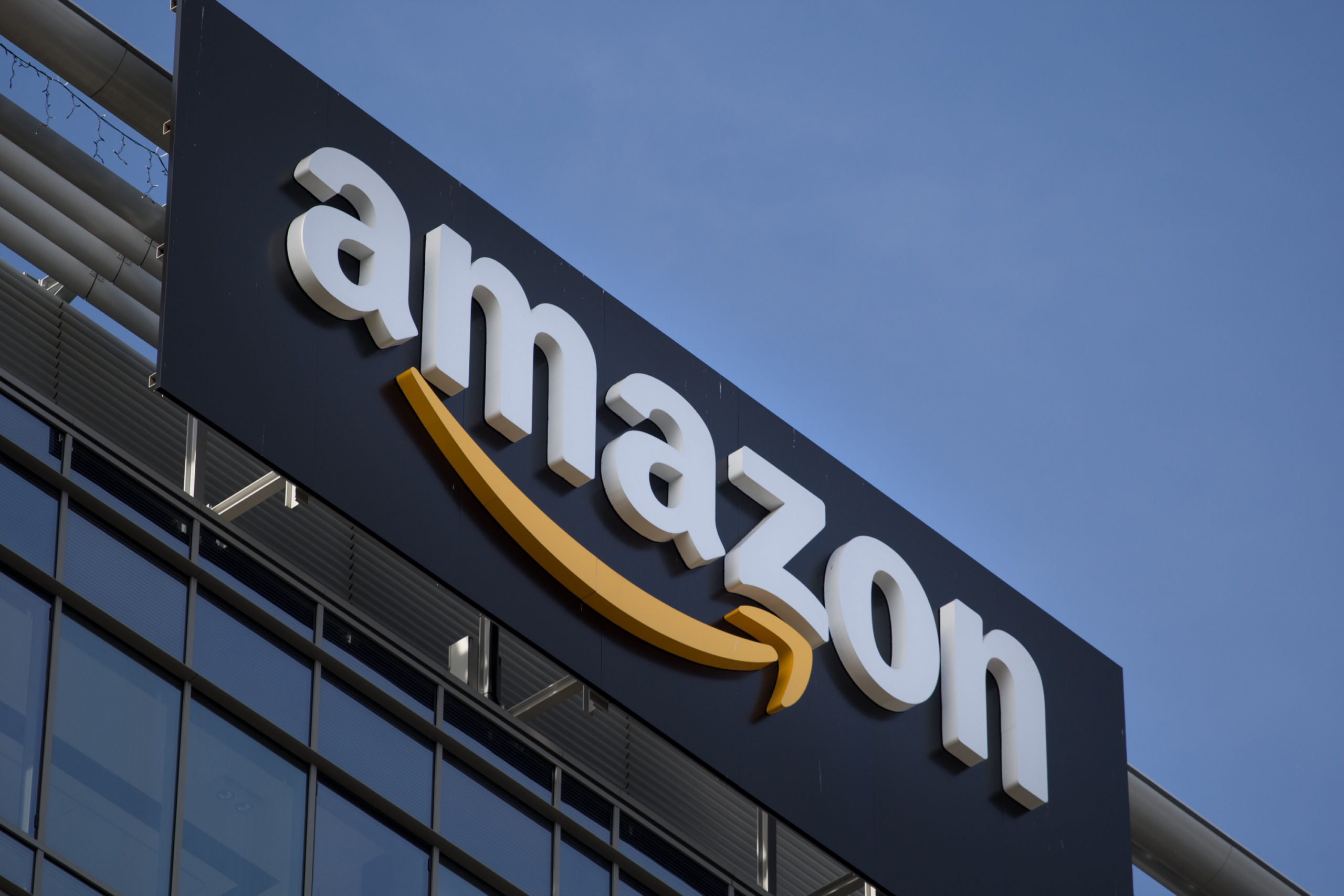 Amazon открыла 75 000 вакантных мест в Северной Америке