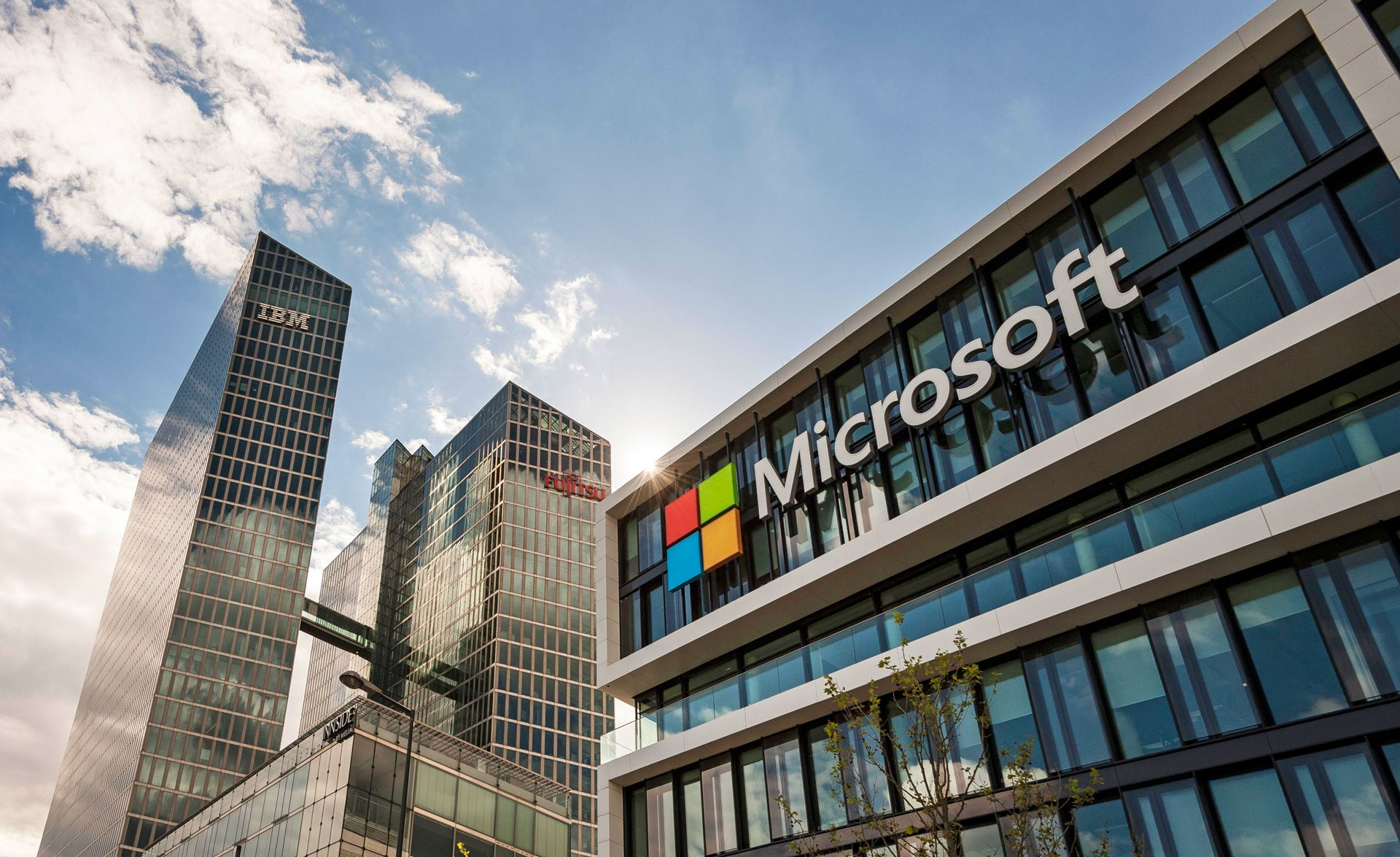 Microsoft добавила в поддержку Linux-приложения с графическим интерфейсом